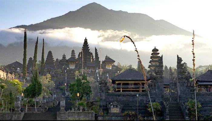Mount Agung - Flores Dragon Tour